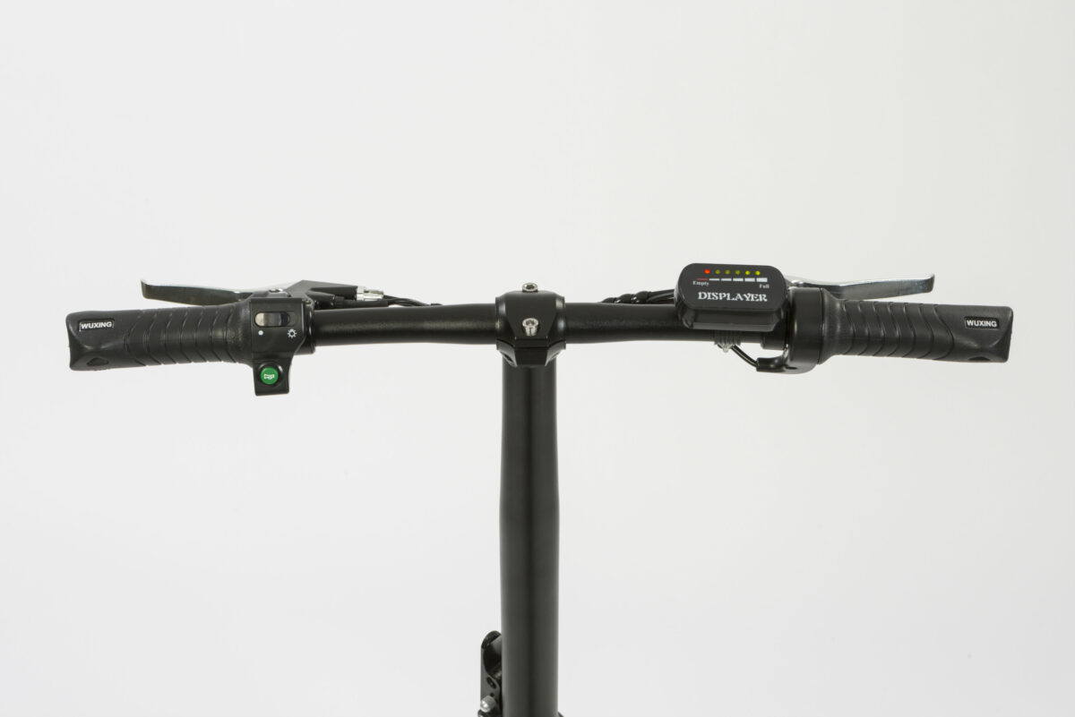 manillar con display en bici eléctrica plegable